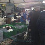 Fisk fra skånsomt fiskeri er et godt valg, hvis man går op i at reducere sit klimaaftryk. Billedet er fra Torvehallerne for Fiskerikajen, WWF Verdensnaturfonden og Den Blå Planet sammen med FSK i 2017 satte fokus på det skånsomme fiskeri.